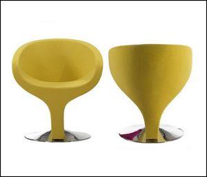 Mathi Design - fauteuil design space - Armchair