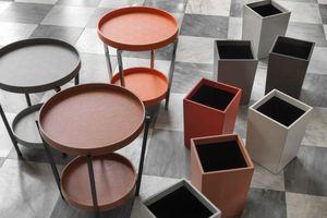 B.Home Interiors -  - Pedestal Table