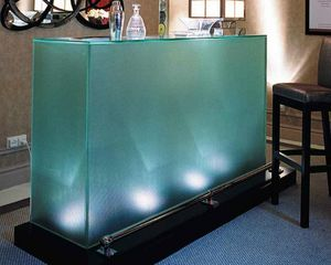 GLASSOLUTIONS France - baldosa grabada - Bar Counter