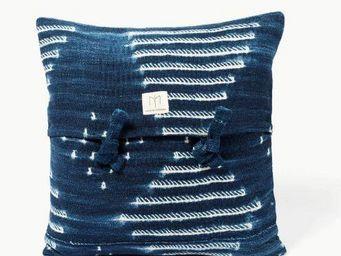 MAISON INTEGRE - dapelogo - Square Cushion