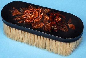 AMHERST ANTIQUES -  - Clothes Brush