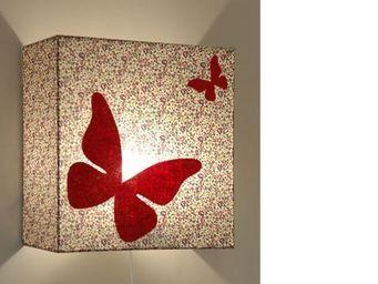 Voila Ma Maison - applique liberty prune papillon - Children's Wall Lamp