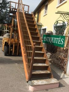 Antiques Forain -  - Straight Staircase