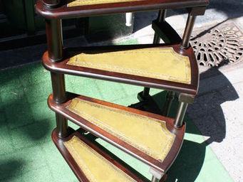 LONDON GALLERY -  - Library Step Ladder