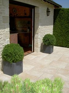 Bradstone -  - Wall Covering