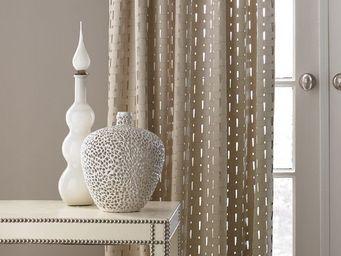 KRAVET -  - Hooked Curtain