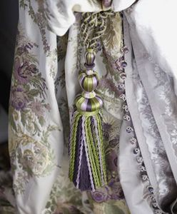 THE ROYAL COLLECTION -  - Tassel