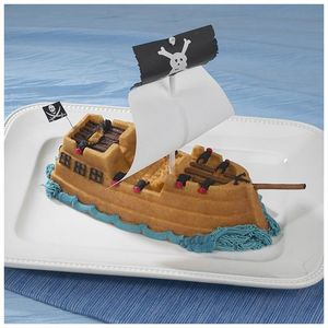 Nordicware - moule à gateau bateau de pirate 3d - Cake Mould