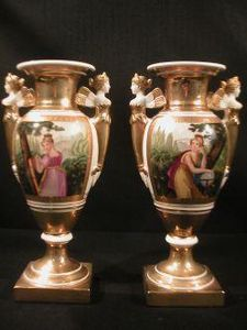 Demeure et Jardin - paire de vases médicis personnages - Decorative Vase