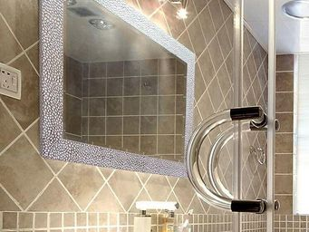 UsiRama.com - grand miroir salle de bain luxe design sliver1 - Shower Mirror