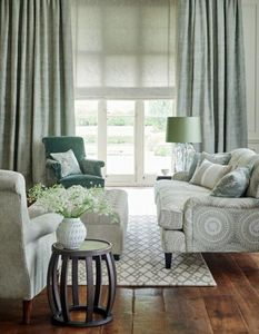 GP & J BAKER -  - Furniture Fabric