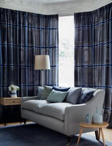 Johnstons of Elgin -  - Hooked Curtain