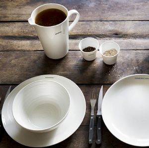 MAKE INTERNATIONAL -  - Table Service