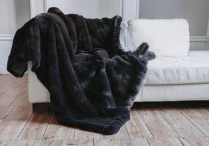 nuance pivoine - sobre - chocolat - Fake Fur