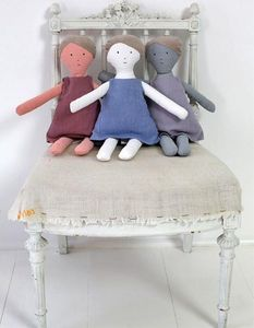 LES TOILES BLANCHES - lin lili prune - Doll