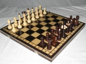 CERAMIQUE POLONAISE -  - Chess Game