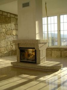 Lusitane - guarda - Central Fireplace