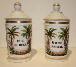ANTIQUITES LE SAINT GEORGES - suc de réglisse et baume nerval - Apothecary Jar
