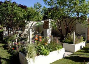 HI MACS -  - Landscaped Garden