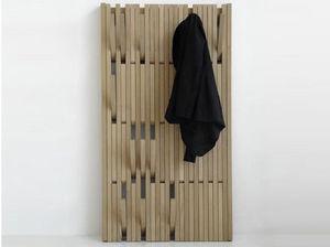 FELD - piano - Cloakroom
