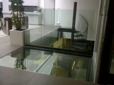 TRESCALINI - Glass floor-TRESCALINI-plancher, sol en verre (structure acier laqué)