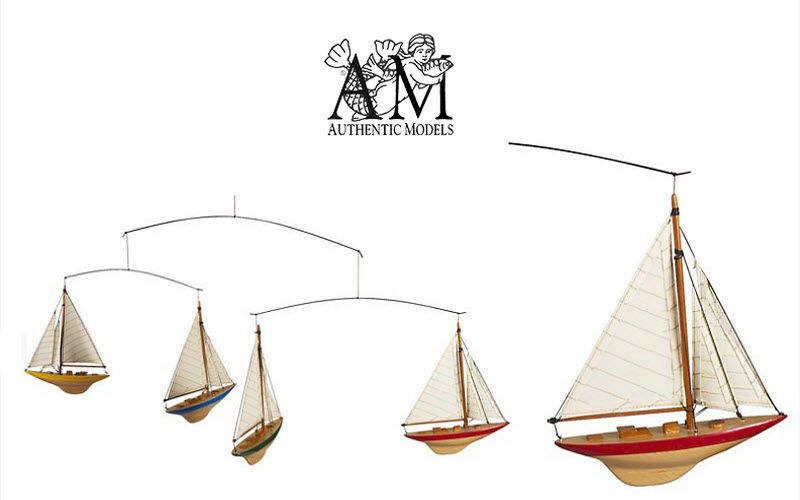 Authentic Models Mobile Mobile Dekorative Gegenstände  |