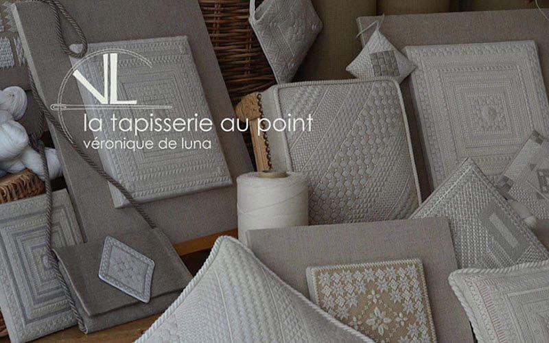 POINT CONTREPOINT. Bestickter Wandteppich Wandteppiche Teppiche  |