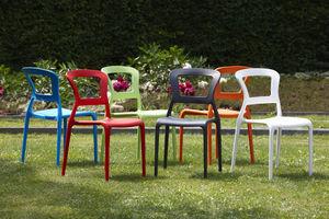 Stapelbare Stühle