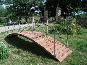 L'atelier Soleil Ferronneries Garten Brücke