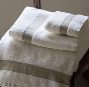A CASA BIANCA - batalha bathroom - Handtuch
