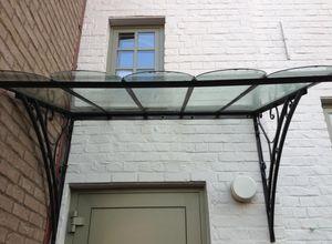 Beltima -  - Eingangsvordach