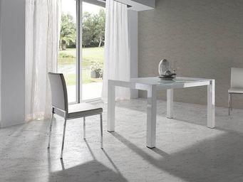 Atylia - table design - Quadratischer Esstisch