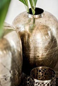 EIGHTMOOD -  - Vasen