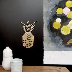 NOGALLERY - ananas - Dekorativer Buchstabe