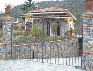 Fer Forge Seno & Siffredi - cancello a battente volute fiori ferro battuto - Gartentor