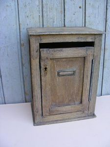 Ardèche Brocante en ligne - boite aux lettres en chêne - Briefkasten