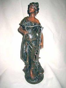 AUX MAINS DE BRONZE - harpiste - Skulptur