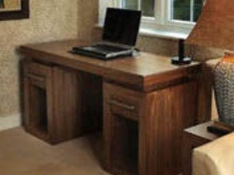 Gerard Lewis Designs - twin pedestal desk in walnut - Schreibtisch