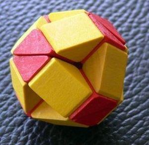 Il Leccio - snake ball - Holzspiel