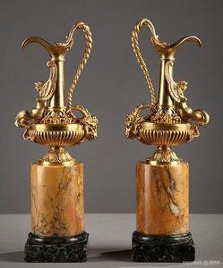 Galerie Atena - aiguière en bronze - Antike Karaffe