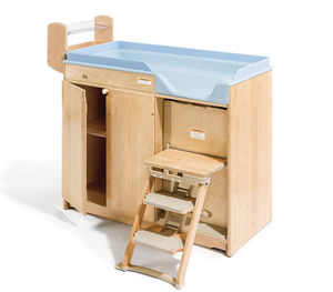 Community Playthings - changing table with steps, 15 cm pan - Wickelkommode