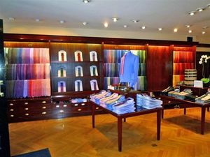 Jarose Shopfitting Group -  - Ladeneinrichtung