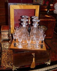 Art & Antiques - cave à liqueur charles x - Likörschrank