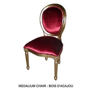 DECO PRIVE - chaise medaillon en bois dore et velours rouge - Medaillon Stuhl