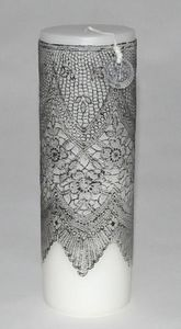 Demeure et Jardin - bougie colonne blanche dentelle noire gm - Rundkerze