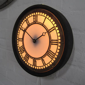 Clock Props - illuminated wall clock - Beleuchtete Wanduhr
