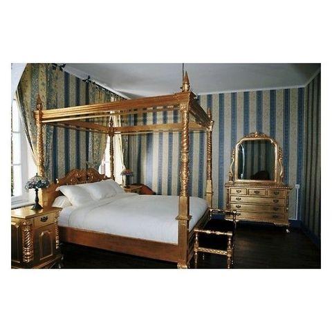 DECO PRIVE - Doppel-Säulenbett-DECO PRIVE-Lit a baldaquin baroque en bois dore modele Chippe