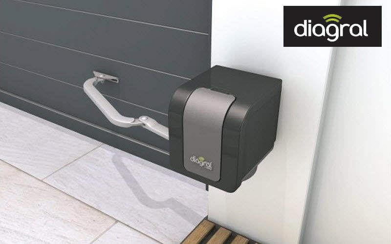 Diagral Automatismo y motorización para la puerta del garaje Puertas de garage Puertas y Ventanas  |