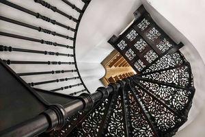 British Spirals & Castings -  - Escalera Helicoidal