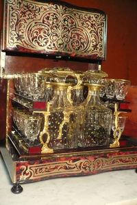 Art & Antiques - cave à liqueur écaille rouge boulle et verrerie co - Bodega De Licores